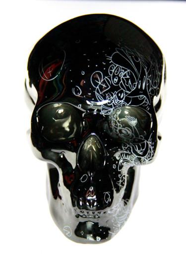 Glossy skull